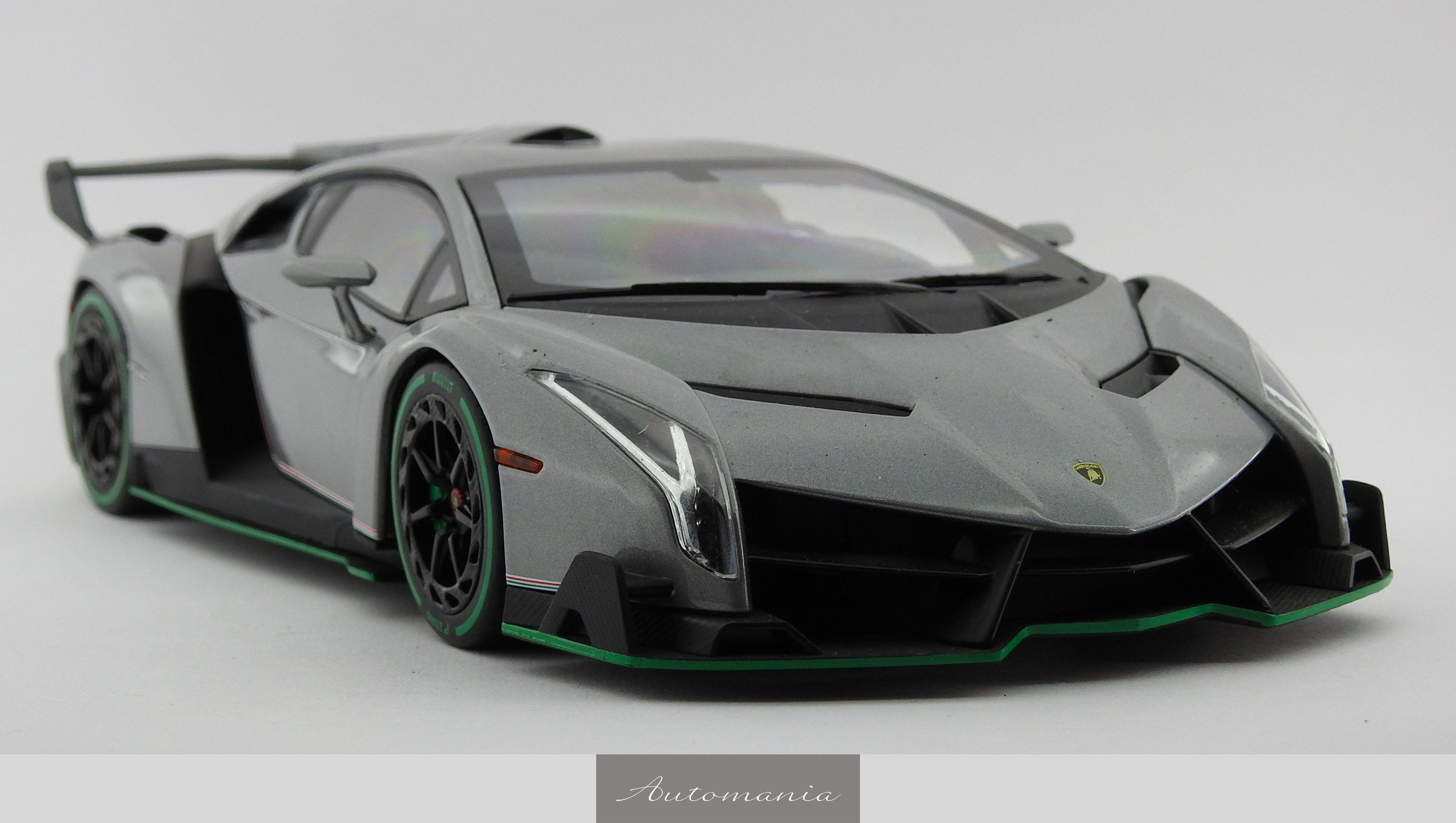 Lamborghini Veneno Roadster Gray / Green Line